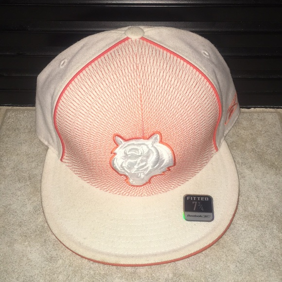 a4de900b5d7ca3 Reebok Accessories | Cincinnati Bengals Fitted Hat 7 34 | Poshmark